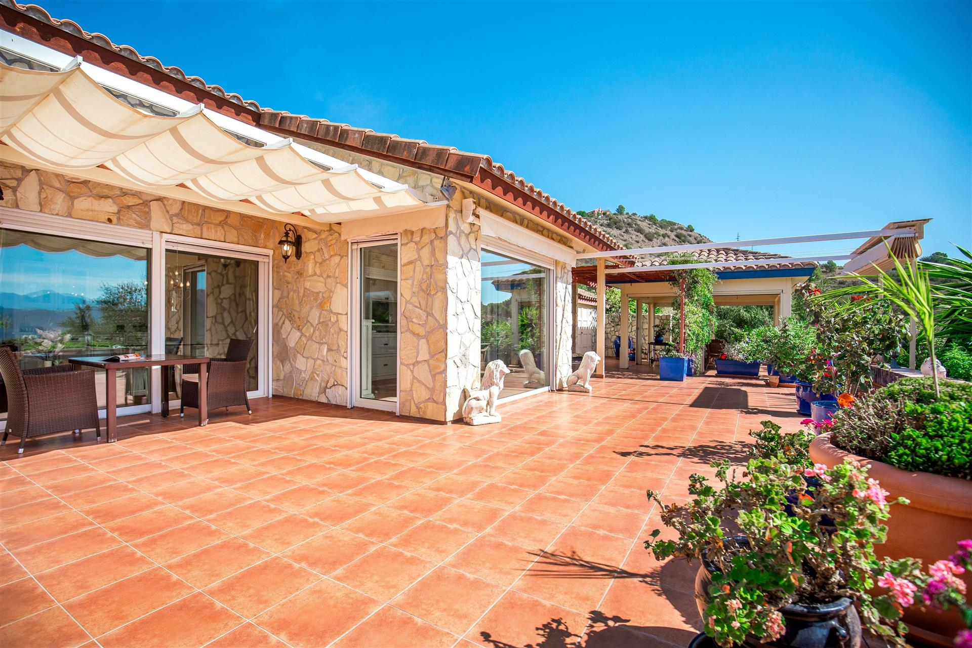 Country house for sale in alozaina f2770778 ideal for Country mansion for sale